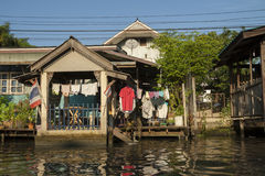 Bostads- hus i Bangkok Arkivbild