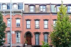 Bostads- hus på Greenpoint Arkivbild