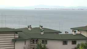 Bostads- komplex smaragd på den Black Sea kusten i Ravda, Bulgarien arkivfilmer