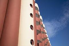 Bostads- modern byggnad Royaltyfria Bilder