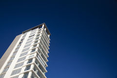 Bostads- modern byggnad Royaltyfri Fotografi