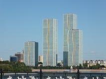 Bostads- torn i Astana/Kasakhstan Royaltyfria Foton