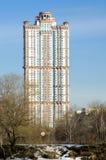Bostadskomplicerad scharlakansrött seglar Royaltyfri Foto