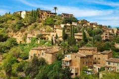Bostadsområde i port Soller Mallorca Arkivfoto