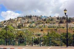 Bostadsområde på monteringen Kanaan, Safed, Israel Arkivfoton
