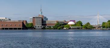 Boston Cambridge stad som sett från Charles River Royaltyfria Bilder