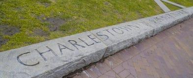 Boston Charlestown gravyr i en sten - BOSTON, MASSACHUSETTS - APRIL 3, 2017 Royaltyfri Foto