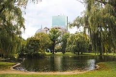 Boston común y jardín público con el lago hermoso imagen de archivo libre de regalías