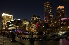 Boston drapacze chmur przy nocą Zdjęcie Stock