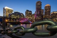 Boston drapacze chmur przy nocą Zdjęcia Royalty Free
