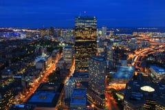 Boston entro la notte fotografia stock