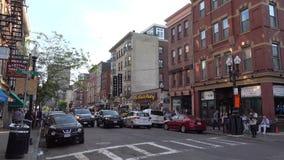 Boston, Etats-Unis - 18 juin 2018 : Vue de rue de Boston la capitale et la plupart de municipalité populeuse du Commonwealth clips vidéos
