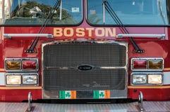 Boston-Feuerwehrmaschine, die an einem Anruf im Stadtzentrum teilnimmt lizenzfreies stockbild