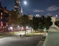 Boston Gemeenschappelijk bij nacht in de doctorandus in de letteren van Boston Stock Afbeeldingen