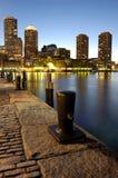 Boston-Hafen nachts Stockbilder