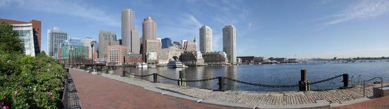 Boston-Hafen-Skylinepanorama Lizenzfreie Stockbilder