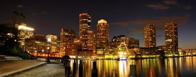 Boston-Hafen und Skyline Lizenzfreie Stockbilder