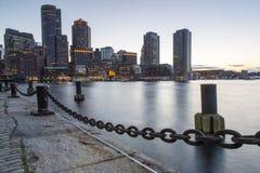 Boston horisont av Boston på solnedgången Arkivbild