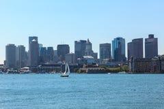 Boston horisont från östliga Boston, Massachusetts Arkivbilder