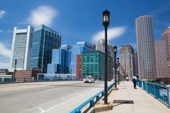 Boston horisont från hamnstadboulevardbron Massachusetts USA Royaltyfri Fotografi