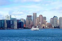 Boston horisont från kryssningen Arkivfoto