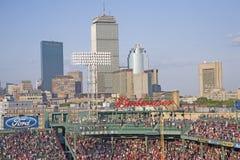 Boston horisont och Fenway park Arkivbilder