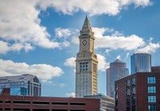 Boston horisont och klockatorn för beställnings- hus - Boston, Massachusetts, USA Arkivbild