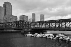 Boston horisont och nordlig avenybro Byggt i 1908 Royaltyfri Bild