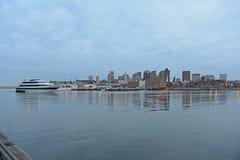 Boston horisont och strand, Massachusetts, USA Royaltyfria Bilder