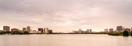 Boston horisont på solnedgång Arkivfoto