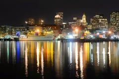 Boston linia horyzontu przy nocą, Massachusetts, usa obrazy stock