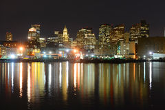 Boston linia horyzontu przy nocą, Massachusetts, usa fotografia stock