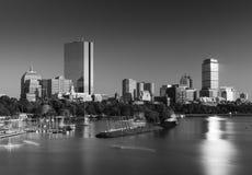 Boston linia horyzontu w wieczór, plecy Podpalany okręg, usa Zdjęcia Stock