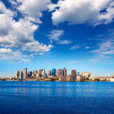 Boston linia horyzontu z rzecznym światłem słonecznym Massachusetts fotografia stock