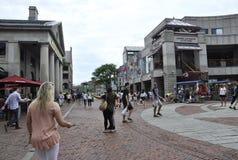 Boston mA, el 30 de junio: Faneuil Hall Marketplace de Boston céntrica en el estado de Massachusettes de los E.E.U.U. imagen de archivo