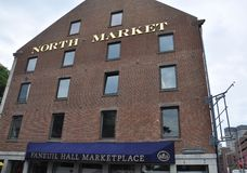Boston mA, il 30 giugno: Costruzione del nord del mercato da Faneuil Hall Marketplace a Boston del centro dallo stato di Massachu Fotografia Stock Libera da Diritti
