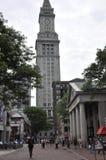 Boston mA, il 30 giugno: Costruzione della torre di orologio nel mercato di Faneuil da Boston del centro nello stato di Massachus Fotografie Stock Libere da Diritti
