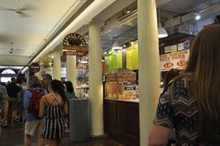 Boston mA, il 30 giugno: Interno di Quincy Market dal mercato di Faneuil a Boston del centro dallo stato di Massachusettes di U.S Fotografia Stock