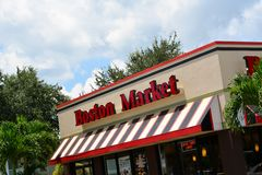 Boston Market Building II. Upper shot of Boston Market building and sign Stock Photography