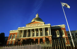 Boston Massachusetts stanu domu Capitol Beacon Hill jaskrawy słoneczny dzień i niebieskie niebo Zdjęcia Royalty Free