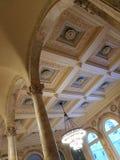 Boston offentliga Libray - välvde ceilngs i den huvudsakliga trappuppgångsupen royaltyfri foto
