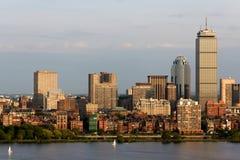 Boston-rückseitige Schacht-Skyline lizenzfreie stockbilder