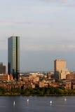 Boston-rückseitiger Schacht mit dem Kontrollturm John-Hancock stockfoto