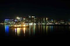 Boston stadshorisont på natten - Boston Massachusetts royaltyfri fotografi