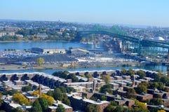 Boston stadssikt från bunkerkullen Monumnet Arkivfoton