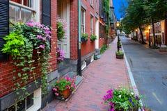 Boston Streetscape på natten Arkivbild
