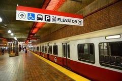 Boston tunnelbanaröd linje, Massachusetts, USA Royaltyfria Foton