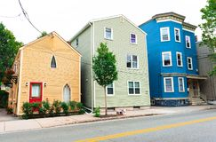 Boston, usa: Barwioni mieszkaniowi domy w Boston sąsiedztwach Obraz Royalty Free