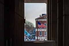 Boston USA marscherar 01, 2019: Det Bostonian samhället underhåller ett arkiv och ett museum inom det gamla tillståndshuset royaltyfria bilder