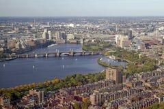 Boston y puente de Longfellow imagenes de archivo
